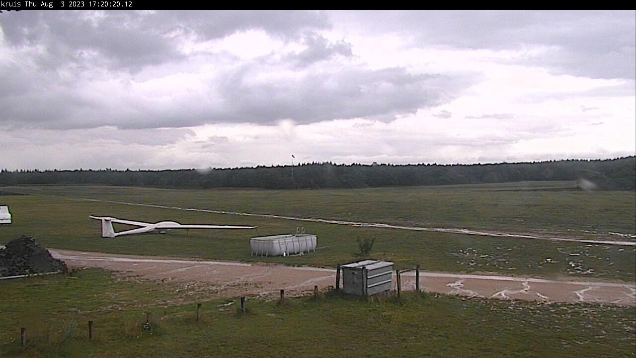 Web camera Malden. Mocht U geen beeld hebben dan is deze camera op het vliegveld waarschijnlijk uitgeschakeld.